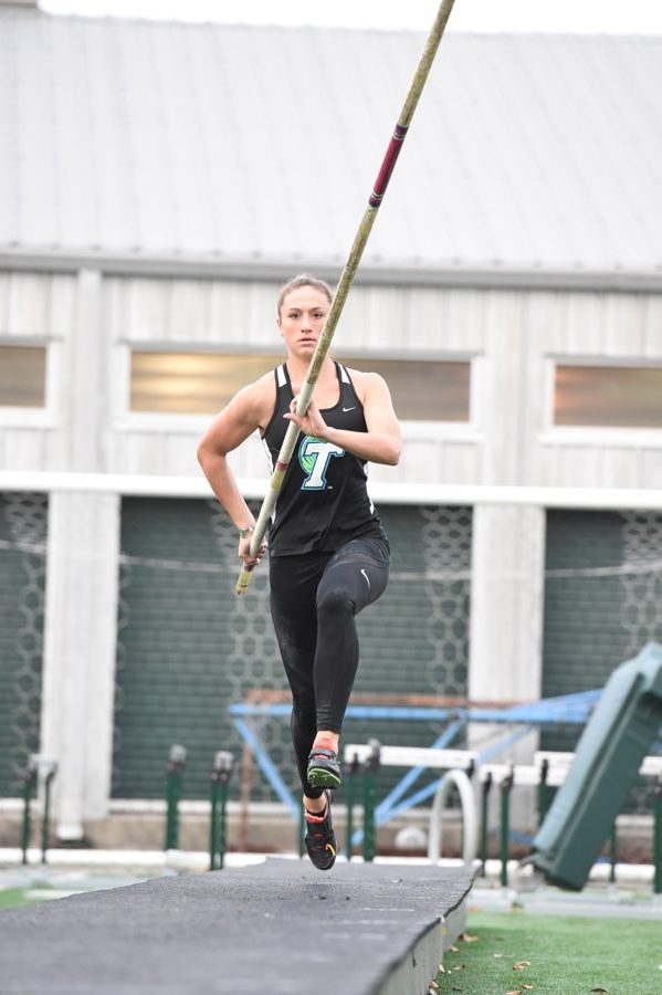 Redshirt senior Alyssa Applebee achieved a personal best in the pole vault on January 28 at the Indiana Relays. Tulane track and field will continue it's indoor season in New York at the Armory Invitational.