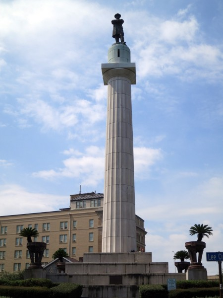 Image result for Lee statue taken down in NEW. Orleans - images