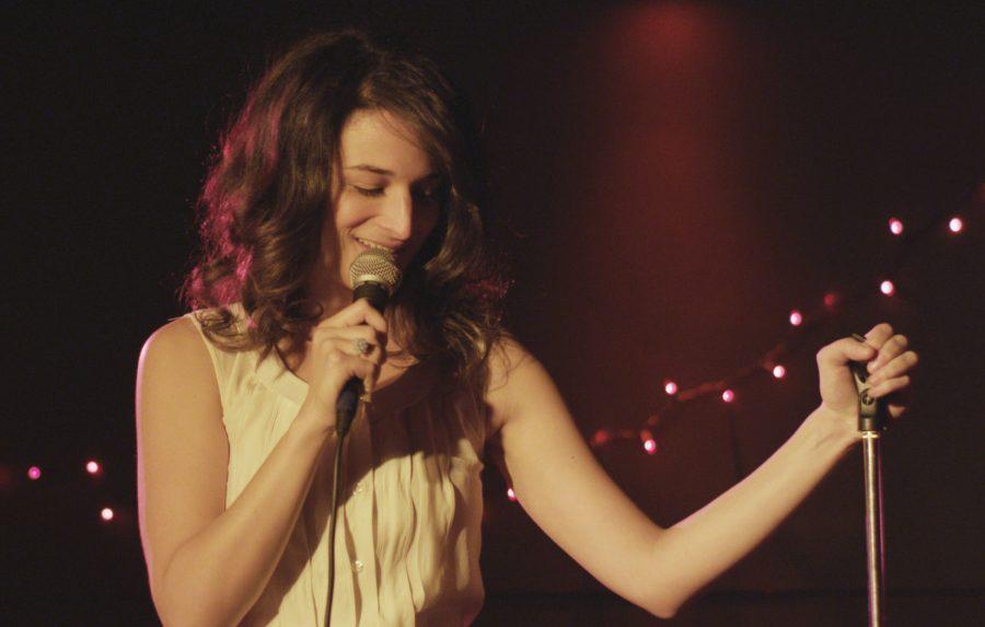 Jenny Slate playing Brooklyn comedienne Donna Stern