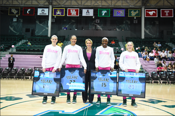 Women%27s+basketball+head+coach+Lisa+Stockton+honors+her+four+seniors+Danielle+Blagg%2C+Tiffany+Dale%2C%C2%A0Adesuwa+Edomwonyi+and+Jamie+Kaplan+on+Senior+Day%2C+as+the+Wave+thrusted+past+Memphis+in+a+75-64+victory+Saturday+at+Devlin+Fieldhouse.%C2%A0