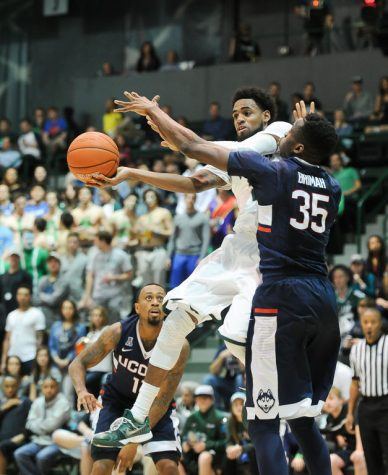 Huskies roll past Wave in final five minutes