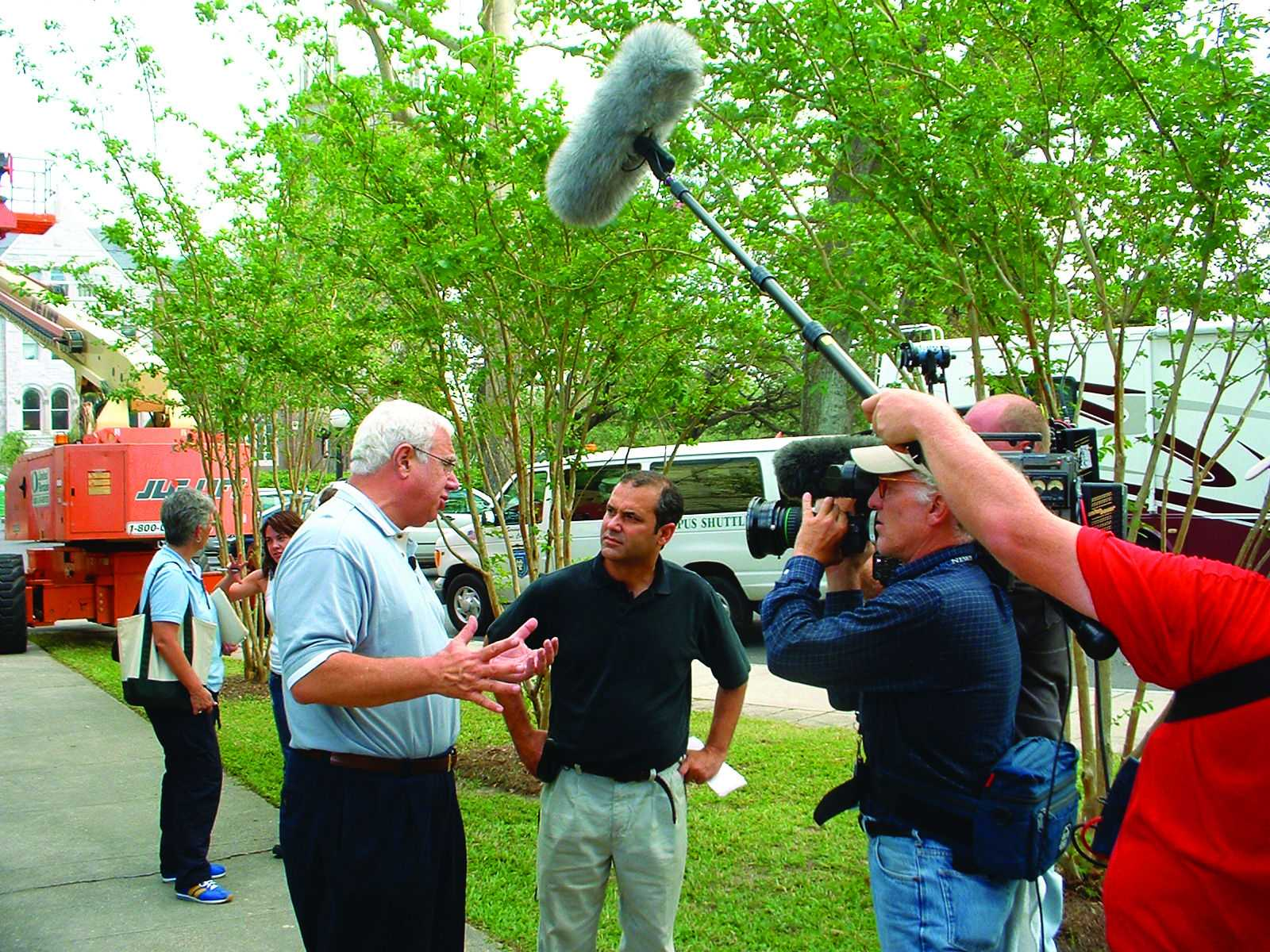 Scott Cowen speaks to reporters about Tulane's closing and recovery after Hurricane Katrina.