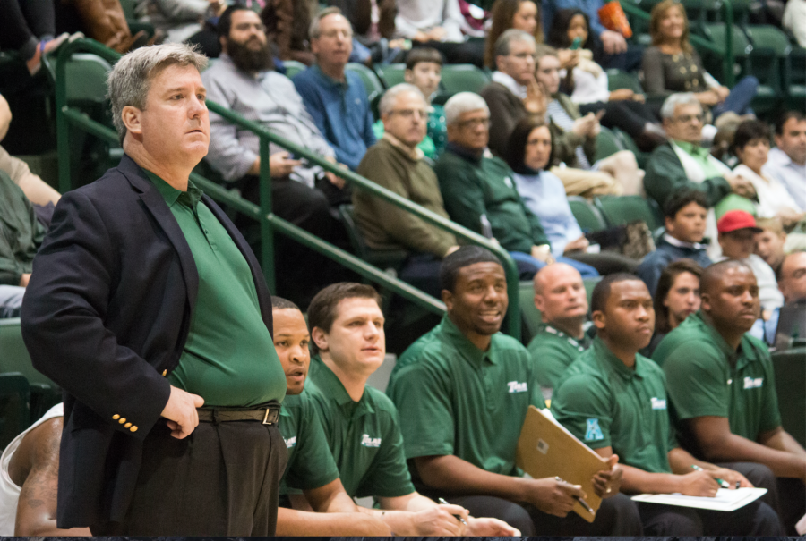 Tulane+head+coach+Ed+Conroy+watches+over+the+team%27s+performance+along+with+the+rest+of+the+coaching+staff+in+Devlin+Fieldhouse.%C2%A0