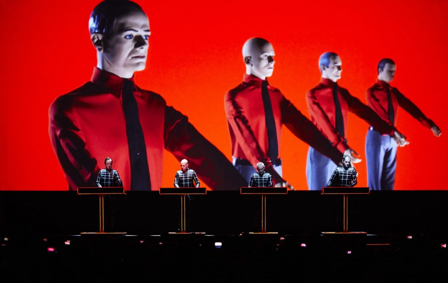 Kraftwerk+uses+creative+and+unorthodox+visuals+during+concert.