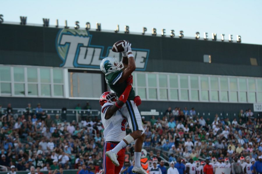 Redshirt sophomore wide receiver Terren Encaladescores a touchdown with eight seconds left in the third quarter, bringing the score to 24-21 with Tulane in the lead. The Green Wave went on to lose 35-31 against SMU.