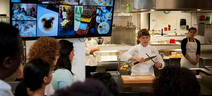Chef Leah Sarris presents a cooking demonstration for community members at the Goldring Center for Culinary Medicine.  The Goldring Center offers free cooking classes six to seven times per week at their facility on North Broad Street.