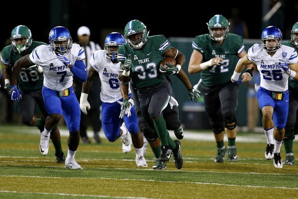 Lazedrick Thompson makes a run in a game against Memphis Oct. 14, 2016 at Yulman Stadium.
