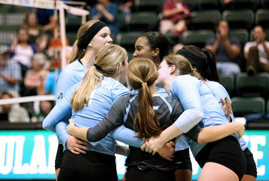 Green+Wave+volleyball+falls+to+pressure+against+Wichita+State+Shockers