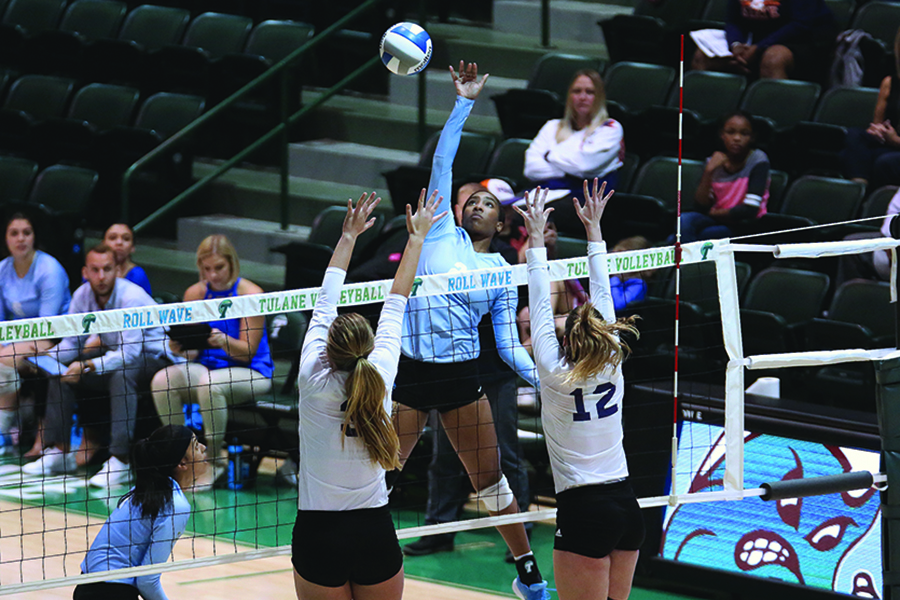 Towering+above+the+competition%3A+Volleyball+looks+to+continue+strong+performance