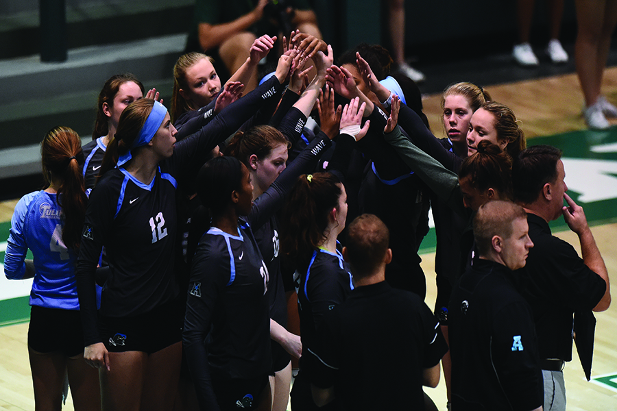 The Green Wave women's volleyball program finished a 14-19 record at the conclusion of the 2017 season.