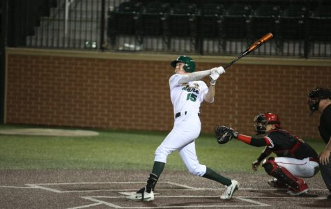 Baseball shocks Houston, takes three-game series