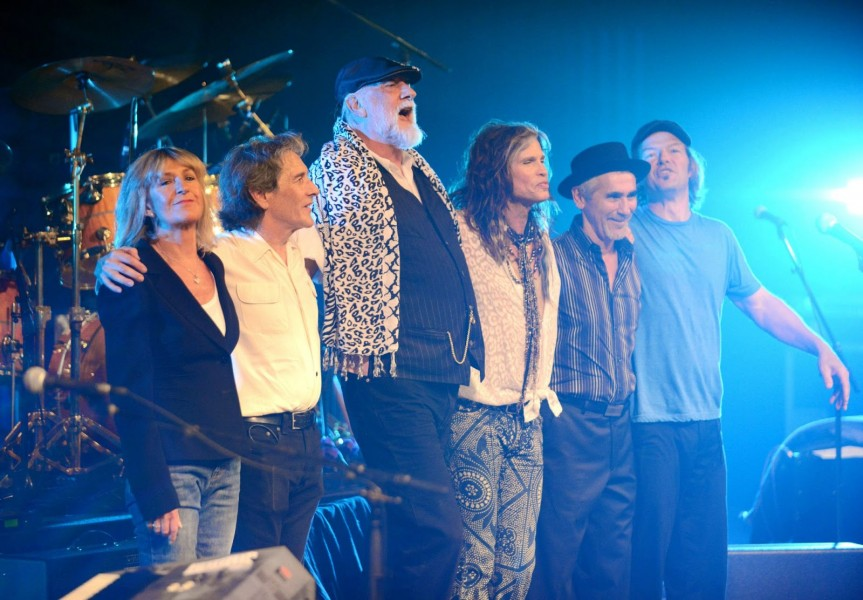 Fleetwood+Mac+takes+a+bow+after+a+performance.+Photo+courtesy+of+Sean+M.+Hower+2013