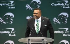 Incoming men's basketball coach Ron Hunter impresses during introductory press