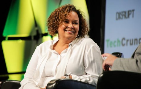 Apple executive Lisa Jackson receives Tulane's 2019 Distinguished Alumni Award