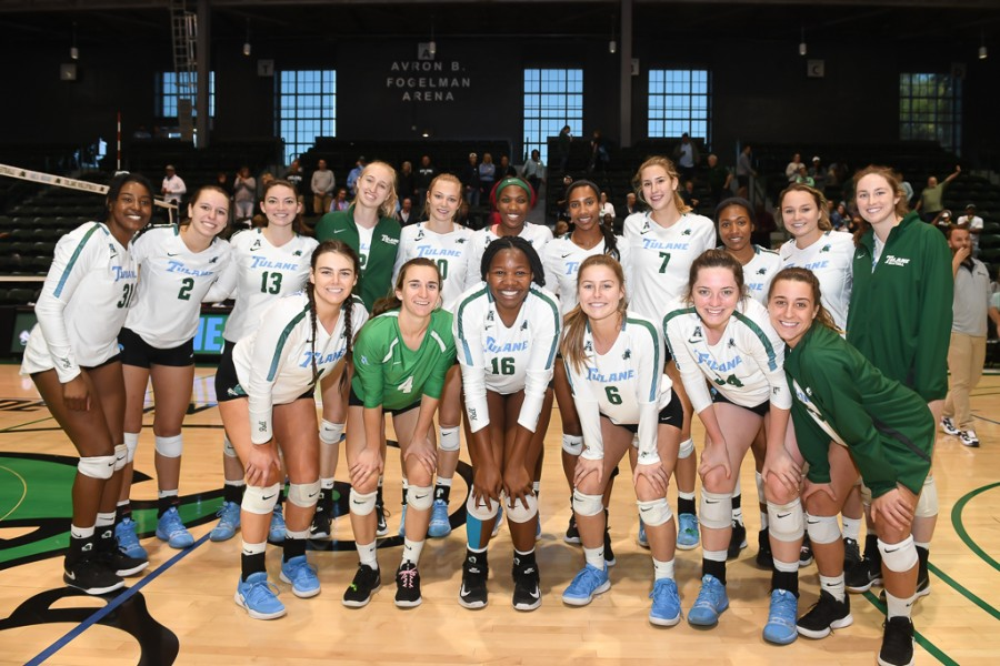 The+Tulane+women%27s+volleyball+team+competes+in+a+match.