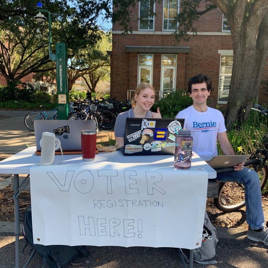 Tulane for Bernie members host voter registration drive on McAlister.